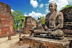 Teams will experience a rich Buddhist culture in Sri Lanka