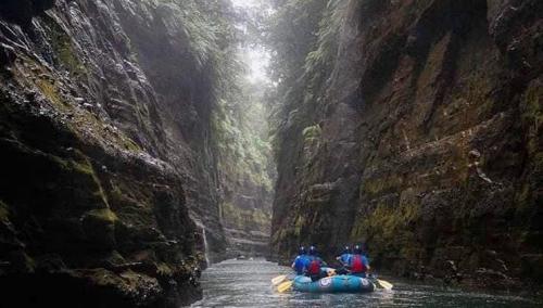 Team Gippsland Adventure Rafting at Eco-Challenge Fiji - Amazon Studios