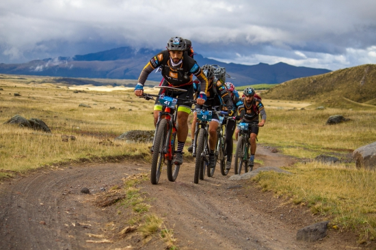 Cycling high in the Andes at Huairasinchi 2020