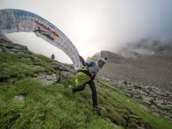 Benoit Outters (FRA4) taking off this morning near Cole del Turlo, Italy